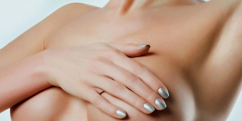 Det första bröstimplantatet skedde redan under 1962 i Houston, Texas, USA.