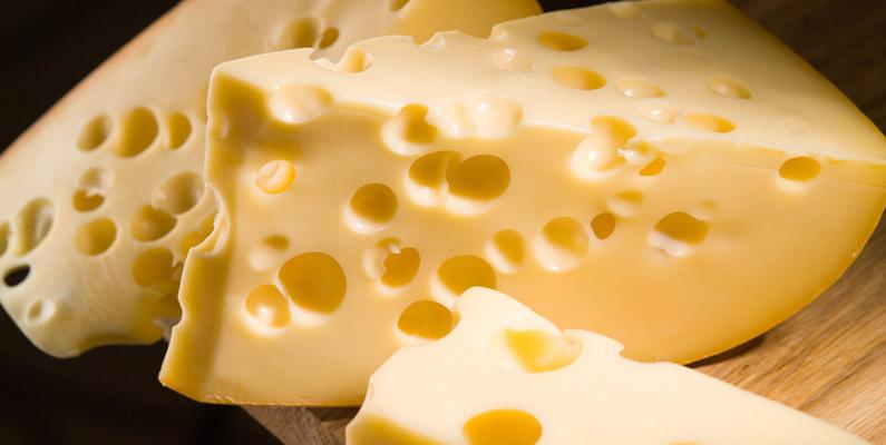 Förr ville man undvika hålen i schweizerost - idag har det istället blivit ostens största kännetecken.