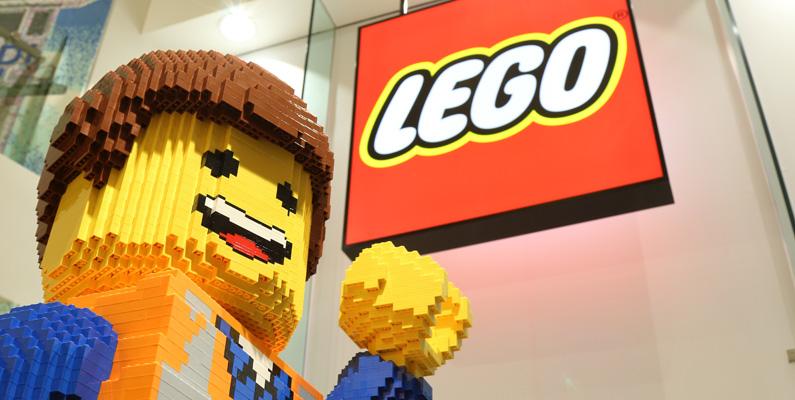 I genomsnitt äger alla personer på jorden 86 Legobitar vardera.