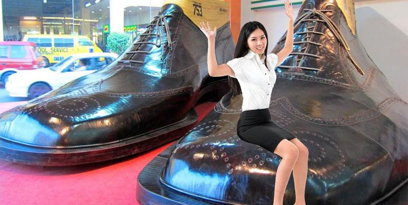 Filippinerna har tillverkat världens största skor; 2,4 meter långa och två meter breda.