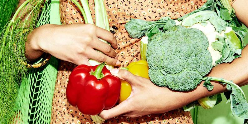 För en att förstå bättre vad vegetarism handlar om, måste man förstå att det finns flera typer av vegetarianer. Den mest strikta typen kallas veganer. Veganer undvika inte bara kött, utan också alla produkter som kommer från djur.