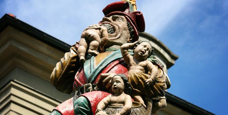 Ingen vet vad den barnätande statyn som är 500 år gammal i Bern, Schweiz, har för syfte.