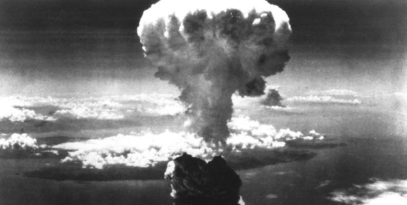 En man vid namn Tsutomu Yamaguchi lyckades att överleva bägge atombomberna som föll över Hiroshima och Nagasaki.