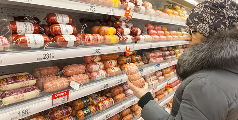 Bara i USA lägger konsumenterna cirka 3 miljarder dollar årligen på korv i livsmedelsaffärer.