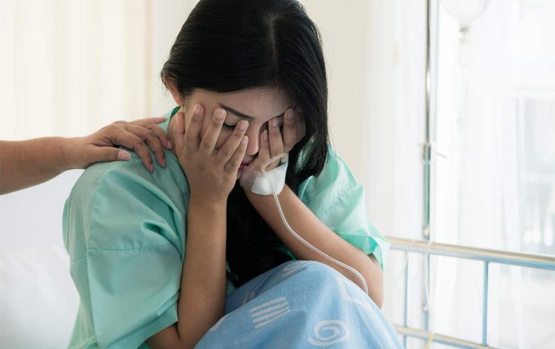 Missfall – även kallat spontan abort – innebär att en graviditet avslutas ofrivilligt innan zygoten, morulan, embryot eller fostret blivit tillräckligt utvecklat för att överleva utanför moderns kropp, det vill säga innan vecka 22.