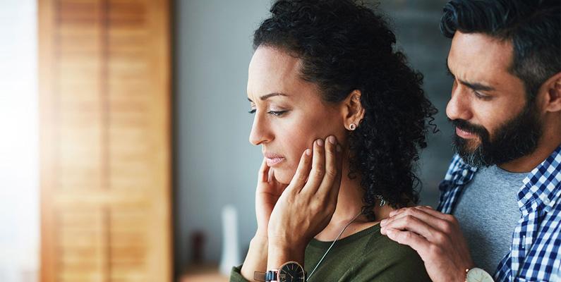 Föräldrarnas ålder har en stor betydelse och förekomsten av missfall ökar om föräldrarna är 35 år eller äldre. Det är likaså 50% större risk om mamman är 42 år eller mer.