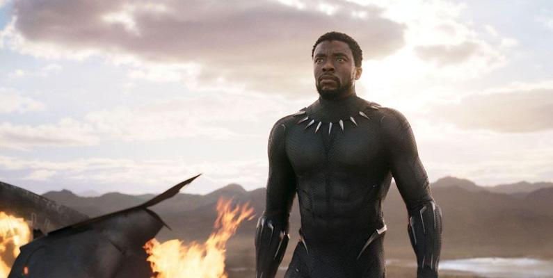 Chadwick Boseman - den idag avlidne Black Panther-skådisen - antogs till ett prestigefyllt sommarteaterprogram vid Oxford University, men hade inte råd att gå. Han säkerställde finansiering genom en privat välgörare, som visade sig vara en annan skådespelare - nämligen Denzel Washington.