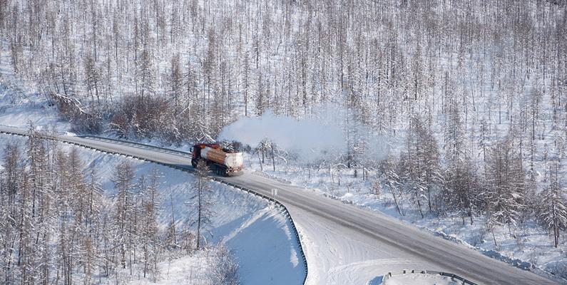 Det finns en motorväg i Sibirien som innehåller benrester från de som dog på bygget, eftersom det var lättare att låta de ligga kvar snarare än att begrava dem.