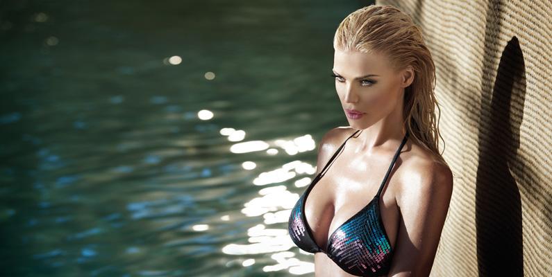 Victoria Silvstedt älskar att simma - men gärna över vattenytan. Hon har heller aldrig lärt sig att dyka ordentligt.