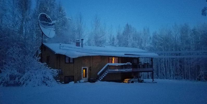 Fram till år 1986 behövde du inte ens köpa fastigheter eller mark i Alaska. Du kunde bara bygga ett hus där du kände för det, och sen tillföll äganderätten dig.