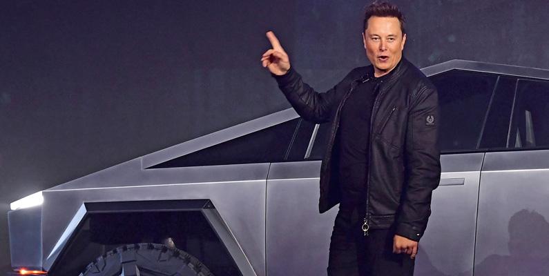 Elon Musk kom ursprungligen till USA genom att oanmäld dyka upp vid en släktings hus i Kanada.