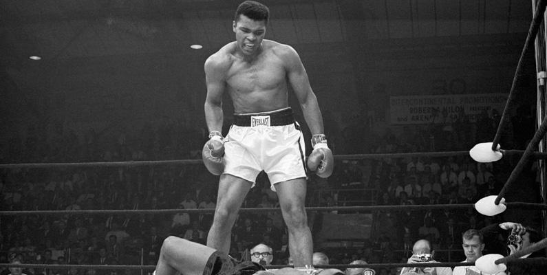 Muhammad Ali gav klockrent svar när han blev nekad ett hamburgarköp på en restaurang under 1960-talet.