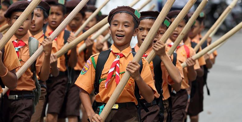 Det finns fler pojk- och flickscouter i Indonesien än resten av världen - tillsammans! Hela 7,2% av Indonesiens befolkningen deltar under sina unga år i scouterna.
