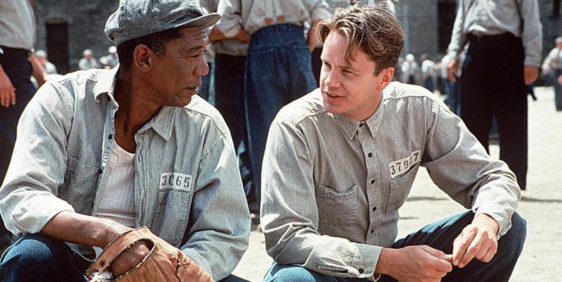 Andy och Reds öppningskonversation på fängelsegården i storfilmen Nyckeln till Frihet- där Red slår en baseboll i sin handske - tog nio timmar att filma.