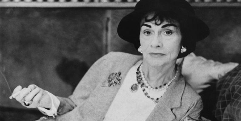 Coco Chanel sålde sitt parfymrecept till judar och fick sedan nazisterna att hjälpa henne att få tillbaka det efter att parfymen hade blivit populär.