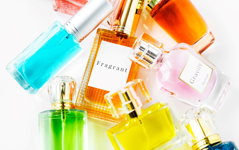"""Vi säger som Marie Antoinette sade på 1700-talet: """"Det är bra att parfym finns, men det är synd att det ska behöva användas""""."""