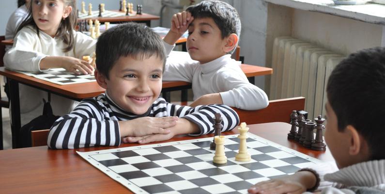 Schack är kanske som allra populärast i öststaterna, och det är till och med så pass populärt i Armenien, att armeniska skolbarn har det som ett obligatoriskt ämne i skolorna.