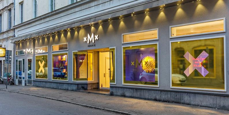 Göteborgsbutiken - som du ser på bilden nedanför - är en av Sveriges största sexleksaksbutiker på över 400 kvadratmeter.