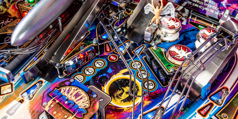 Flipperspel - även känt som pinball - var olagligt i över 30 år i USA och hade till och med sin egen brottschef, som specialiserade sig på den olagliga flippermaskinindustrin.