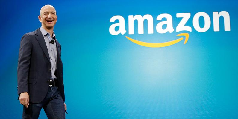Bezos starka arbetsmoral har hjälpt honom på vägen extremt bra. När han först startade Amazon år 1995 var företagets huvudkontor i Bezos garage och han hjälpte själv till med att leverera böcker till kunderna. För att säkerställa att han hade tillräckligt med pengar för att hålla den nyblivna affären flytande, sparade Bezos på allt som var möjligt. Han byggde sina anställdas skrivbord för hand från kasserade dörrar och gammalt begagnat virke.