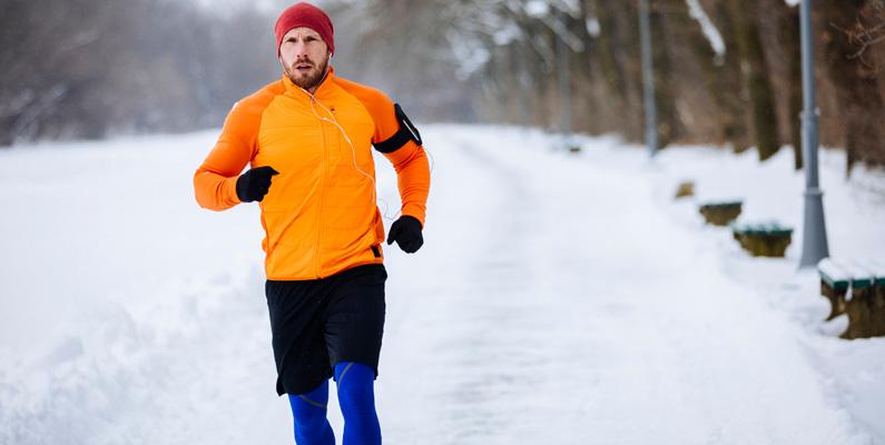 Astma kan faktiskt förmildras genom träning. Det finns inte några sporter som personer med astma inte kan delta i, förutom möjligtvis dykning, vilket inte rekommenderas för astmatiker. Om man nu anser det som en sport, vill säga.