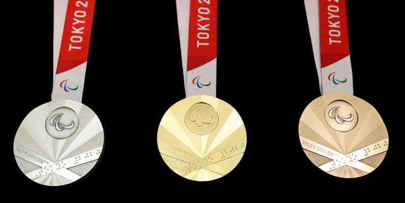 Paralympiska medaljer har stålkulor inuti som, när de skakas, ger ett skramlande ljud som hjälper till att meddela synskadade idrottare vilken typ av medalj det är - det vill säga guld, silver eller broms.
