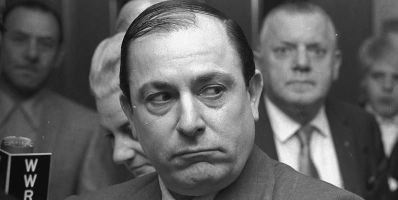 Joseph Colombo, som startade den italiensk-amerikanska medborgarrättsligan 1970 för att protestera mot avbildningen av italienare som maffia i underhållning, var i själva verket överhuvud för Colombo-familjen, som var en del av Cosa Nostra.
